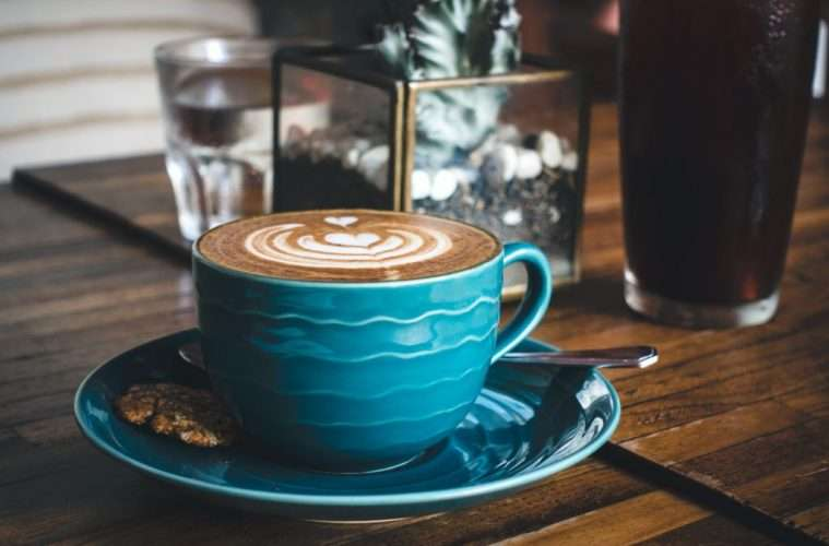 https://www.foodiesfeed.com/free-food-photo/dreamy-flatwhite-coffee-with-perfect-latte-art-2/download/